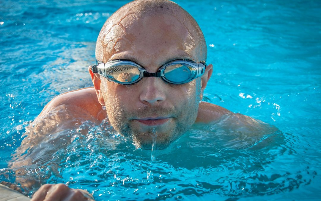 ALL YOU NEED TO KNOW ABOUT SWIMMING AND EYE CARE